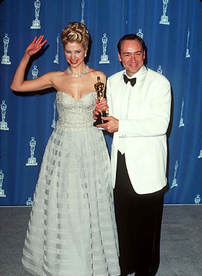 Mira Sorvino and Kevin Spacey 68th Academy Awards Los Angeles, CA 3/25/1996