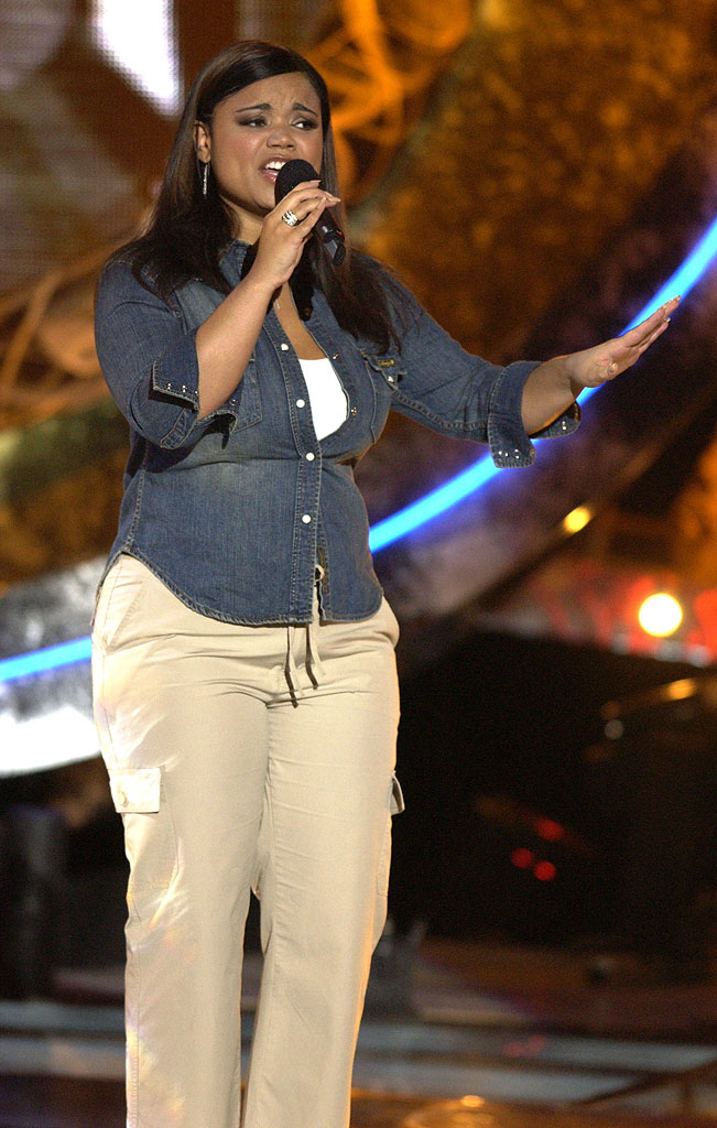 Kimberley Locke performs on American Idol Season 2 Finale - Results Show.