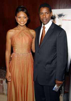 Premiere: Kimberly Elise and Denzel Washington at the New York premiere of Paramount Pictures' The Manchurian Candidate - 7/19/2004