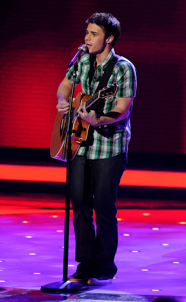 "Kris Allen performs ""Remember the Time"" by Michael Jackson on ""American Idol."""