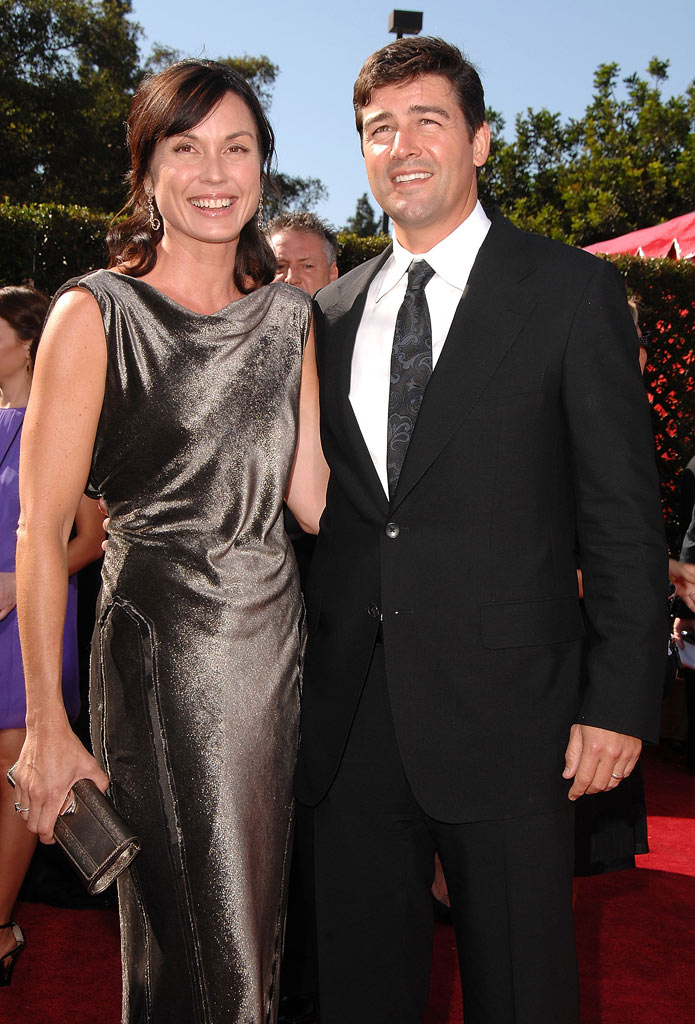 Kyle Chandler and wife arrive at the 59th Annual Primetime Emmy Awards at the Shrine Auditorium on September 16, 2007 in Los Angeles, California.