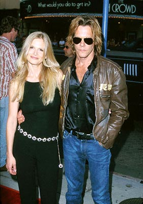 Premiere: Kyra Sedgwick and Kevin Bacon at the Mann Village Theater premiere of Columbia's Hollow Man - 8/2/2000