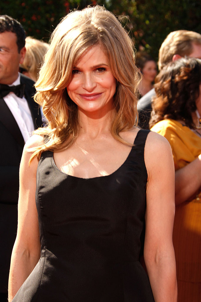 Kyra Sedgwick arrives at the 59th Annual Primetime Emmy Awards at the Shrine Auditorium on September 16, 2007 in Los Angeles, California.