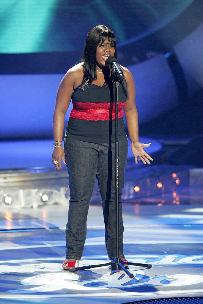 LaKisha Jones performs as one of the top 6 contestants on the 6th season of American Idol.