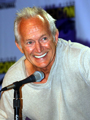 Lance Henriksen Alien vs. Predator panel 2004 San Diego Comic-Con International - 7/24/2004