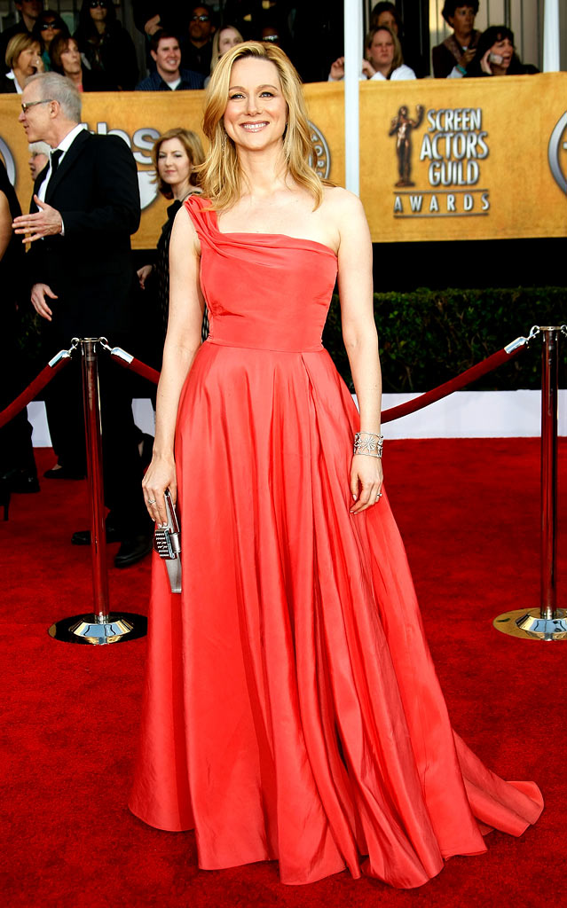 Laura Linney arrives at the 15th Annual Screen Actors Guild Awards held at the Shrine Auditorium on January 25, 2009 in Los Angeles, California.