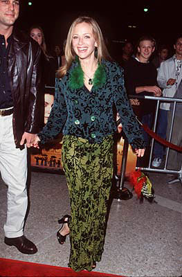 Premiere: Lauren Holly at the Century City premiere of Warner Brothers' Practical Magic - 10/13/1998