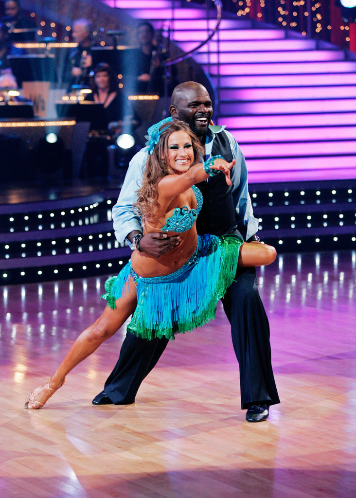 "Lawrence Taylor and Edyta Sliwinska perform the Samba to ""I Can't Get Next To You"" by The Temptations on ""Dancing with the Stars."""