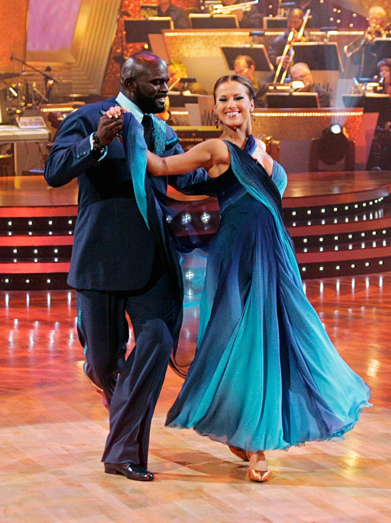 "Lawrence Taylor and Edyta Sliwinska perform the Waltz to ""Open Arms"" by Journey on ""Dancing with the Stars."""