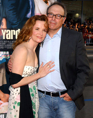 Premiere: Director Howard Deutch and his wife Lea Thompson at the world premiere of Warner Brothers' The Whole Ten Yards - 4/7/2004