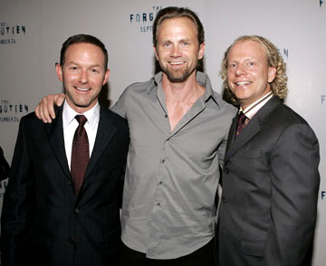 Premiere: Producer Dan Jinks, Lee Tergesen and Bruce Cohen at the New York premiere of Revolution Studios' The Forgotten - 9/21/2004