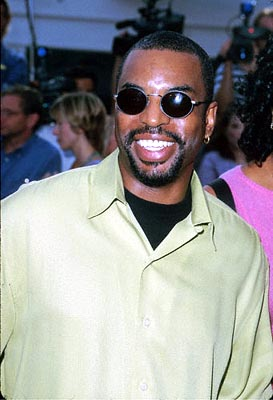 Premiere: Levar Burton at the Mann Village Theater premiere of Columbia's Hollow Man - 8/2/2000