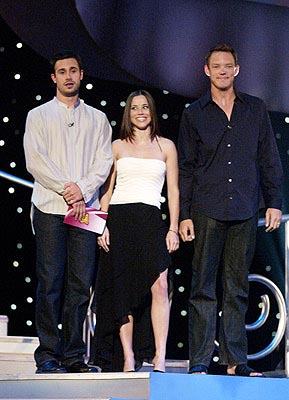 Freddie Prinze Jr., Linda Cardellini and Matthew Lillard MTV Movie Awards 6/1/2002