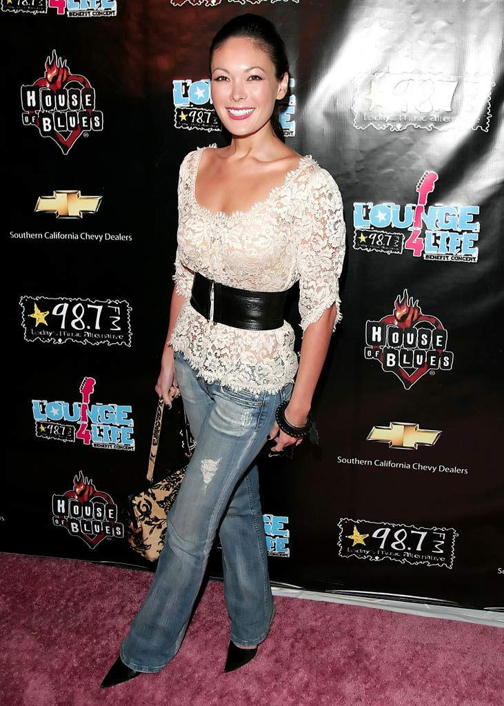 Lindsay Price at the 98.7 FM Lounge 4 Life Benefit Concert.
