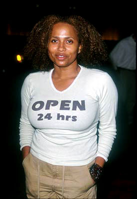 Premiere: Lisa Nicole Carson at the Century City premiere of Universal's The Best Man - 10/14/99