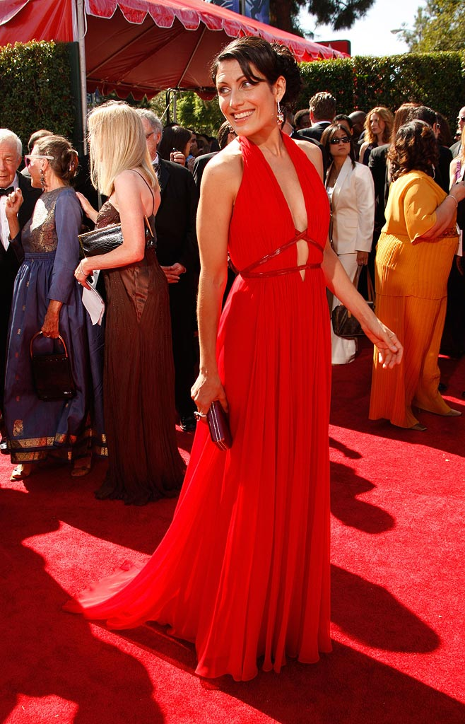 Lisa Edelstein arrives at the 59th Annual Primetime Emmy Awards at the Shrine Auditorium on September 16, 2007 in Los Angeles, California.