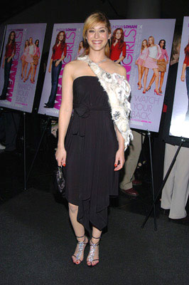 Premiere: Lizzy Caplan at the New York premiere of Paramount's Mean Girls - 4/23/2004