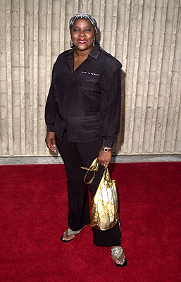 Premiere: Loretta Devine at the Westwood premiere of 20th Century Fox's Dr Dolittle 2 - 6/19/2001