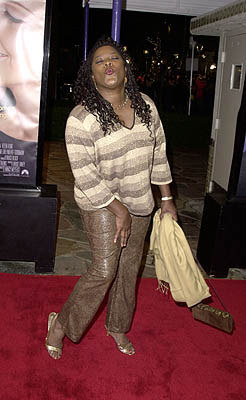 Premiere: Smoochin' Loretta Devine at the Westwood premiere of Paramount's What Women Want - 12/14/2000