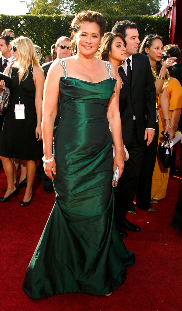 Lorraine Bracco arrives at the 59th Annual Primetime Emmy Awards at the Shrine Auditorium on September 16, 2007 in Los Angeles, California.