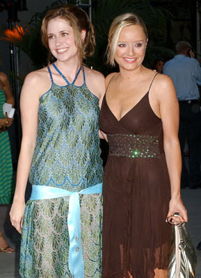 Premiere: Jenna Fischer and Lucy Davis at the Hollywood premiere of Universal Pictures' The 40-Year-Old Virgin - 8/11/2005