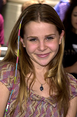 Premiere: Mae Whitman at the Los Angeles premiere of Disney's Atlantis: The Lost Empire - 6/6/2001