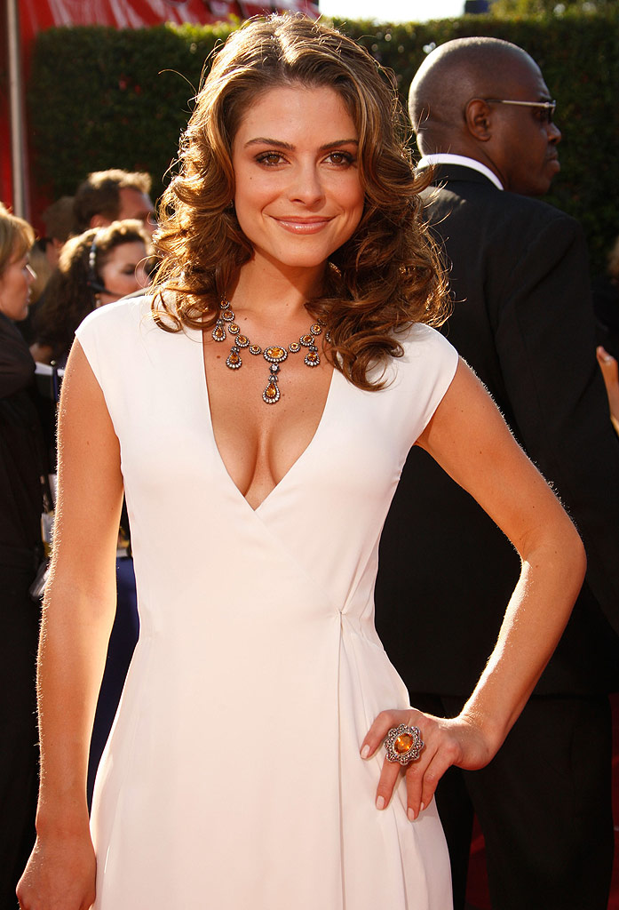 Maria Menounos arrives at the 59th Annual Primetime Emmy Awards at the Shrine Auditorium on September 16, 2007 in Los Angeles, California.
