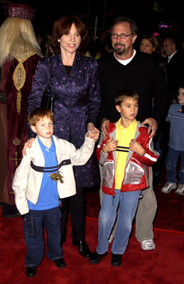 Premiere: Marilu Henner and family at the Westwood premiere of Warner Brothers' Harry Potter and The Sorcerer's Stone - 11/14/2001
