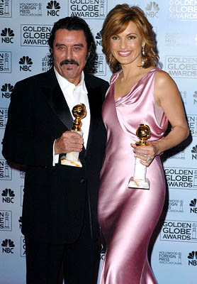 Ian McShane and Mariska Hargitay Best Actor and Actress for Drama Series Golden Globe Awards - 1/16/2005