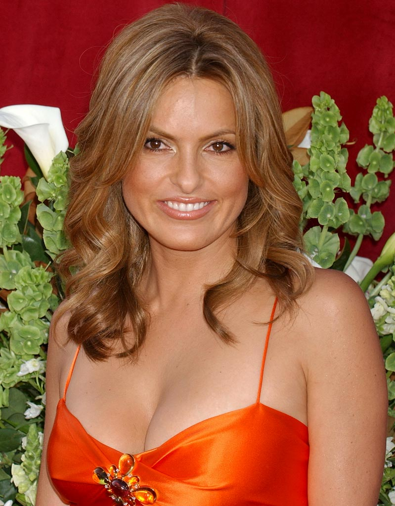Mariska Hargitay at The 57th Annual Emmy Awards on September 18, 2005