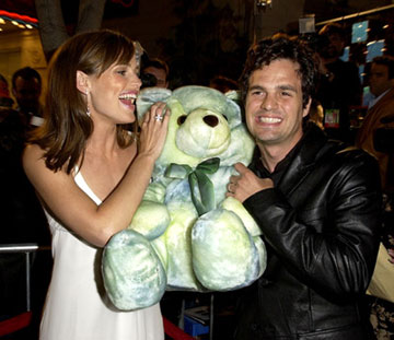 Premiere: Jennifer Garner and Mark Ruffalo at the L.A. premiere of Revolution Studios' 13 Going on 30 - 4/14/2004