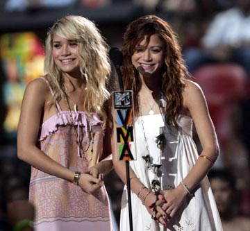 Ashley Olsen and Mary-Kate Olsen MTV Video Music Awards 2004 Show - 8/29/2004