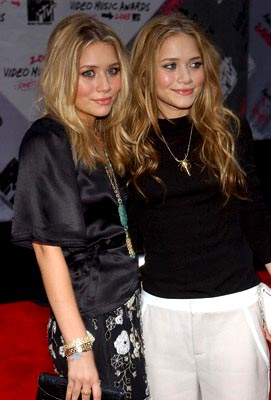 Mary-Kate Olsen and Ashley Olsen MTV Video Music Awards - 8/28/2003