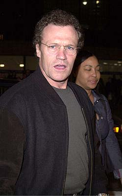 Premiere: Michael Rooker at the Mann's National Theater premiere of Columbia's The 6th Day - 11/13/2000