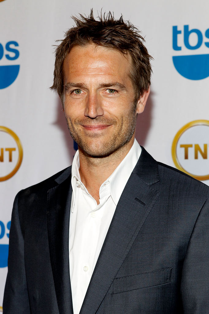 Michael Vartan attends the TEN Upfront presentation at Hammerstein Ballroom on May 19, 2010 in New York City.