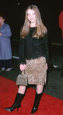 Premiere: Michelle Trachtenberg at the Mann's Chinese Theater premiere of Columbia's Charlie's Angels - 10/22/2000