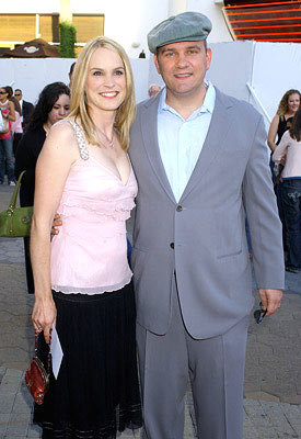 Premiere: Mike O'Malley and wife Lisa at the Universal City premiere of Universal Pictures' The Perfect Man - 6/13/2005