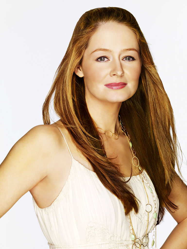 Miranda Otto stars as Cricket Stewart in The Starter Wife.