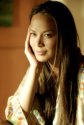 "Moon Bloodgood ABC's ""Day Break"""
