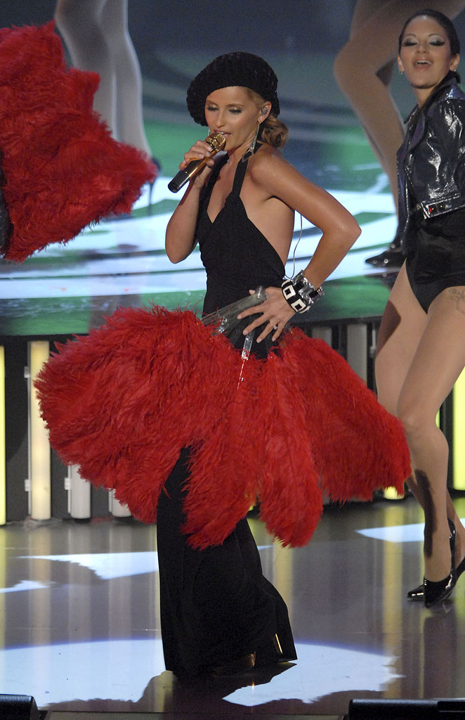 Singer Nelly Furtado performs onstage at the 2007 Video Music Awards at the Palms Casino Resort.