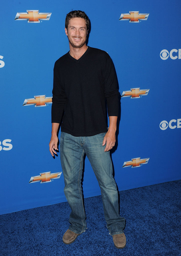 "Oliver Hudson of ""Rules of Engagement"" arrives at the CBS Fall Season Premiere party at The Colony on September 16, 2010, in Los Angeles."