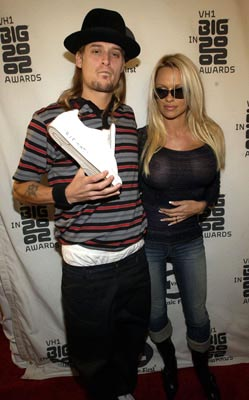 Kid Rock pays tribute to Jam Master Jay with Pamela Anderson VH-1 Big in 2002 Awards - 12/4/2002