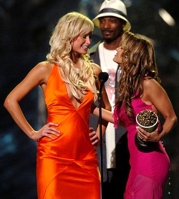 Paris Hilton, Snoop Dogg and Carmen Electra Best Onscreen Team 50 First Dates MTV Movie Awards - 6/5/2004