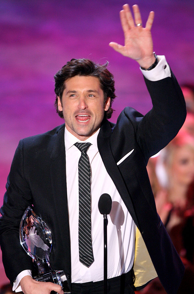 Patrick Dempsey of Grey's Anatomy wins Favorite Male TV Star at The 33rd Annual People's Choice Awards.