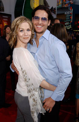 Premiere: Jennie Garth and Peter Facinelli at the LA premiere of Universal's The Scorpion King - 4/17/2002