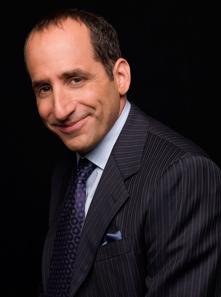 Peter Jacobson stars as Dr. Chris Taub in House.