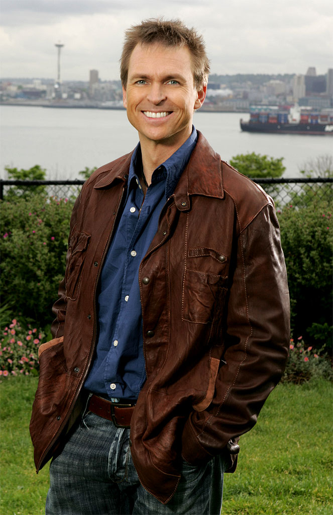 Phil Keoghan is the host of The Amazing Race 10 on CBS.