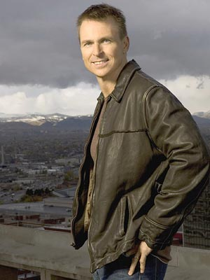 Host Phil Keoghan CBS' The Amazing Race 9