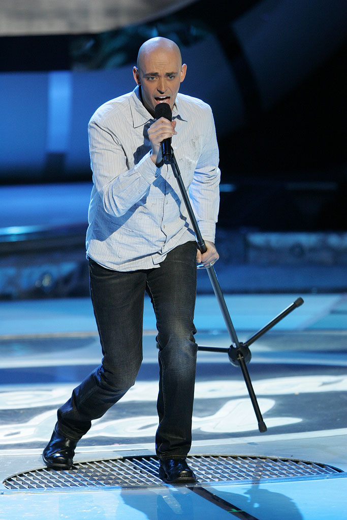 Phil Stacey performs as one of the top 11 contestants on the 6th season of American Idol.