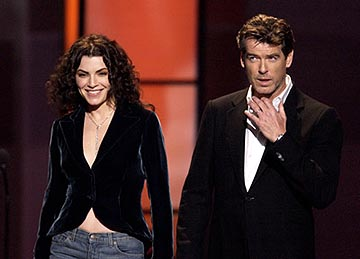 Julianna Margulies and Pierce Brosnan VH-1 Big in 2002 Awards - 12/4/2002